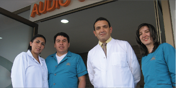 Dr. Serrano and part of his team in Audio Centro Cuenca